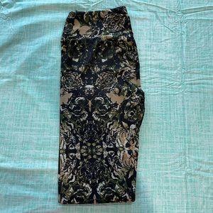 Floral camo lularoe leggings